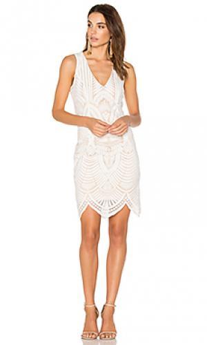 Кружевное платье с вышивкой Bardot. Цвет: белый
