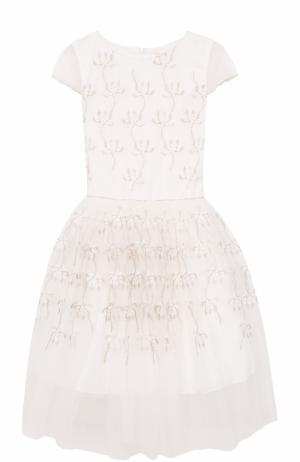 Платье с вышивками и декоративным поясом David Charles. Цвет: белый