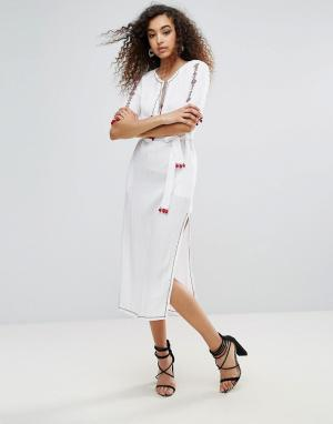 Unique 21 Платье миди с кисточками. Цвет: кремовый