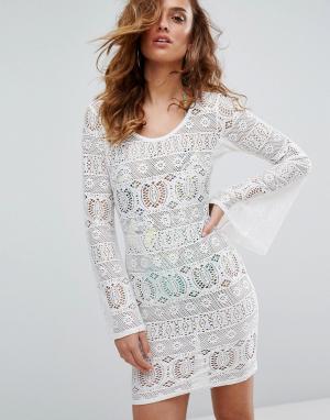 Boohoo Пляжное платье из кроше с расклешенными рукавами. Цвет: белый