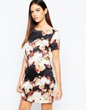 Girl In Mind Цельнокройное платье с принтом. Цвет: мульти
