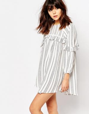 I Love Friday Свободное платье в полоску с рюшами. Цвет: белый
