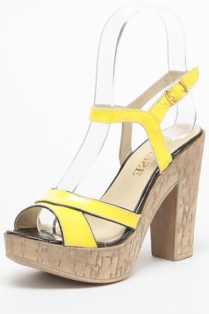 Босоножки ENISSE. Цвет: желтый