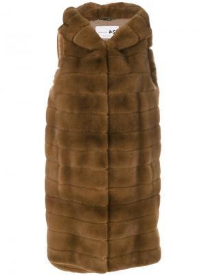 Куртка без рукавов с капюшоном Manzoni 24. Цвет: коричневый