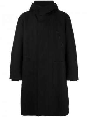 Пальто с капюшоном Ahirain. Цвет: чёрный