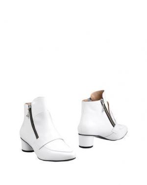 Полусапоги и высокие ботинки OPENING CEREMONY. Цвет: белый