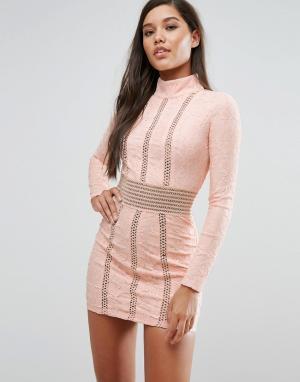 Rare Кружевное платье-футляр с сетчатыми вставками London. Цвет: розовый