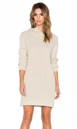 Вязаное платье с капюшоном karlie SUSS. Цвет: кремовый