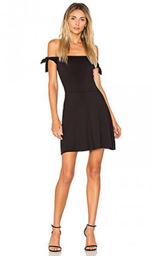 Платье с завязками на плечах superior twenty. Цвет: черный