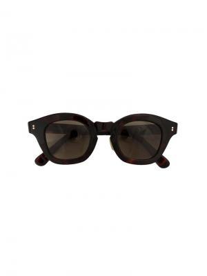 Солнцезащитные очки в оправе кошачий глаз Hakusan. Цвет: коричневый