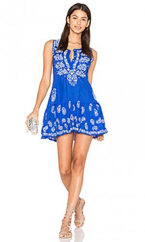 Вышитое цельнокроеное платье juliet dunn. Цвет: синий
