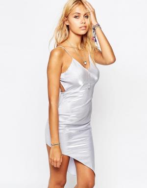 Tiger Mist Асимметричное платье‑сорочка в стиле 90‑х. Цвет: серебряный