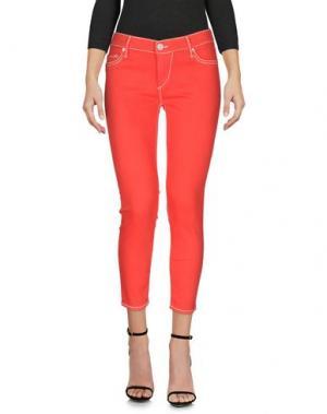 Джинсовые брюки-капри TRUE RELIGION. Цвет: красный