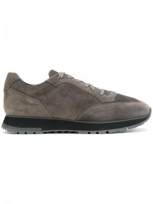 Кроссовки на шнуровке Santoni. Цвет: коричневый