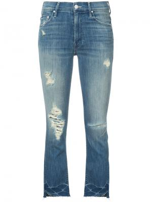 Укороченные джинсы с рваной отделкой Mother. Цвет: синий