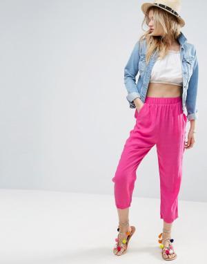 ASOS Брюки-галифе с карманами. Цвет: розовый
