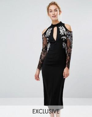 Hope and Ivy Платье-футляр миди с вырезами на плечах и вышивкой &. Цвет: черный