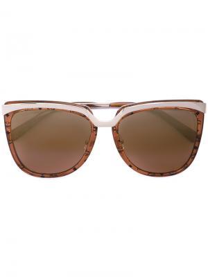 Солнцезащитные очки в крупной оправе MCM. Цвет: коричневый