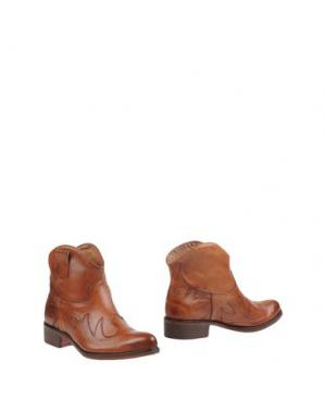 Полусапоги и высокие ботинки GENEVE. Цвет: коричневый