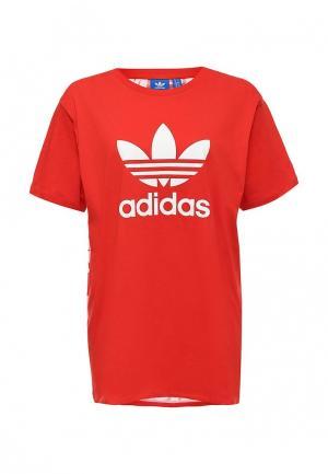 Футболка adidas Originals. Цвет: красный