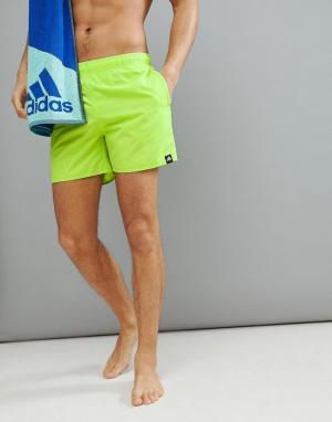 Adidas Желтые шорты для плавания CV5131. Цвет: желтый