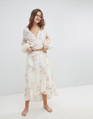 Billabong Пляжная юбка с запахом. Цвет: кремовый