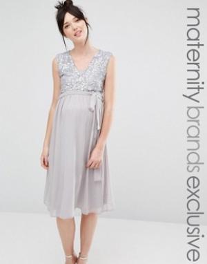 Queen Bee Платье миди без рукавов с кружевным топом и пайетками. Цвет: серый