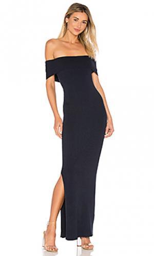 Макси платье с открытыми плечами 525 america. Цвет: синий