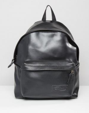 Eastpak Уплотненный кожаный рюкзак с перфорацией PakR. Цвет: черный
