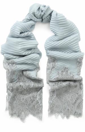 Хлопковая плиссированная шаль с кружевной отделкой Valentino. Цвет: светло-голубой