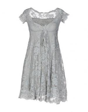 Короткое платье BALENSI. Цвет: светло-серый