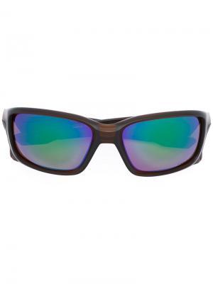 Солнцезащитные очки в квадратной оправе Oakley. Цвет: коричневый