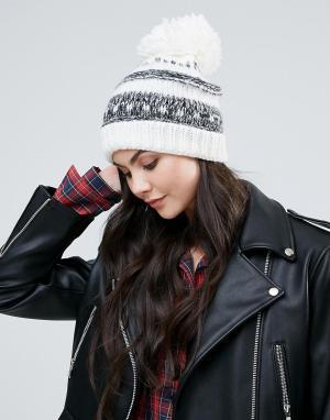 Alice Hannah Объемная шапка-бини. Цвет: кремовый