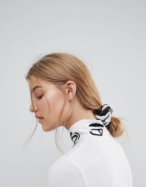 ASOS Made In Kenya Резинка для волос с принтом. Цвет: мульти
