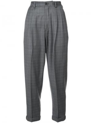Укороченные клетчатые брюки R13. Цвет: серый