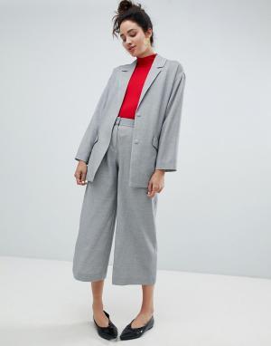 Monki Строгие брюки с широкими штанинами. Цвет: серый