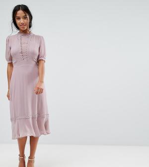 Elise Ryan Petite Приталенное платье миди с кружевом кроше. Цвет: розовый