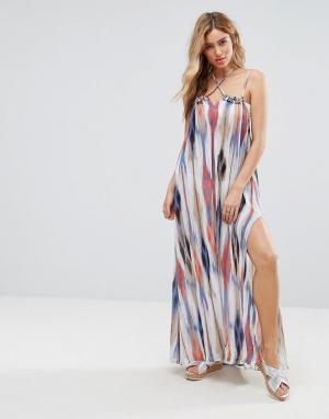 Pia Rossini Пляжное платье с разноцветным принтом и боковыми разрезами. Цвет: мульти