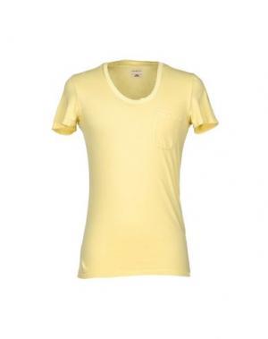Футболка MAESNA. Цвет: желтый