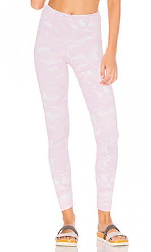 Камуфляжные леггинсы STRUT-THIS. Цвет: розовый