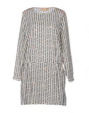 Короткое платье BONSUI. Цвет: слоновая кость