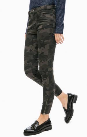 Укороченные брюки с камуфляжным принтом TOM TAILOR Denim. Цвет: хаки