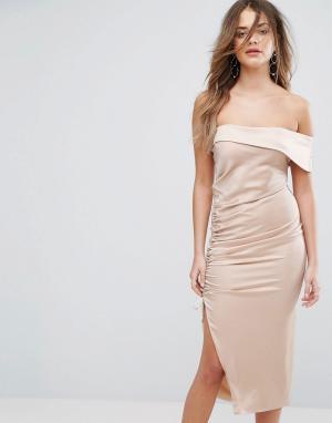 Lavish Alice Атласное платье миди на одно плечо. Цвет: коричневый