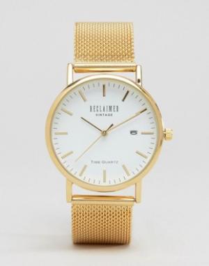 Reclaimed Vintage Золотистые часы с сетчатым браслетом. Цвет: золотой