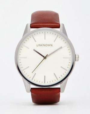 UNKNOWN Классические часы с кожаным ремешком. Цвет: коричневый