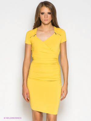 Платье GUESS. Цвет: желтый