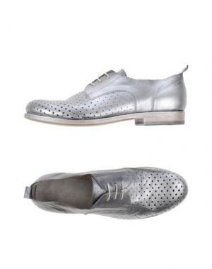 Обувь на шнурках INK. Цвет: серебристый