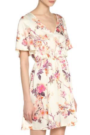 Атласное платье с запахом GIRLS ON FILM. Цвет: multi