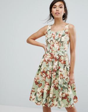 Vesper Короткое приталенное платье с цветочным принтом в винтажном стиле Vesp. Цвет: зеленый