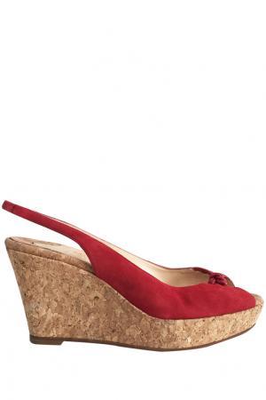 Туфли Christian Louboutin. Цвет: красный